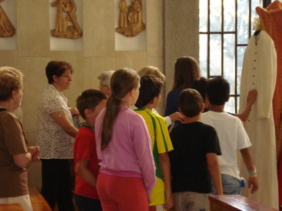Bambini visitano casa generalizia missionarie comboniane