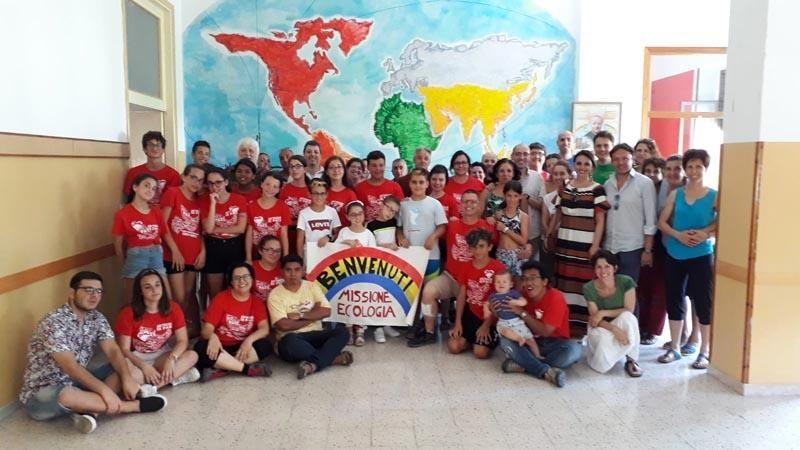 Giovani dei campi estivi con le missionarie Saveriane