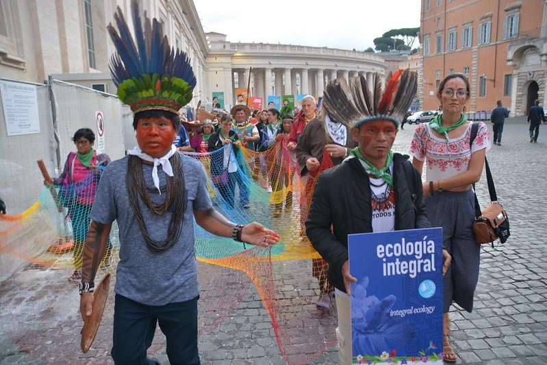 Rappresentanti dei popoli originari dell'Amazzonia a Roma, in occasione del Sinodo.