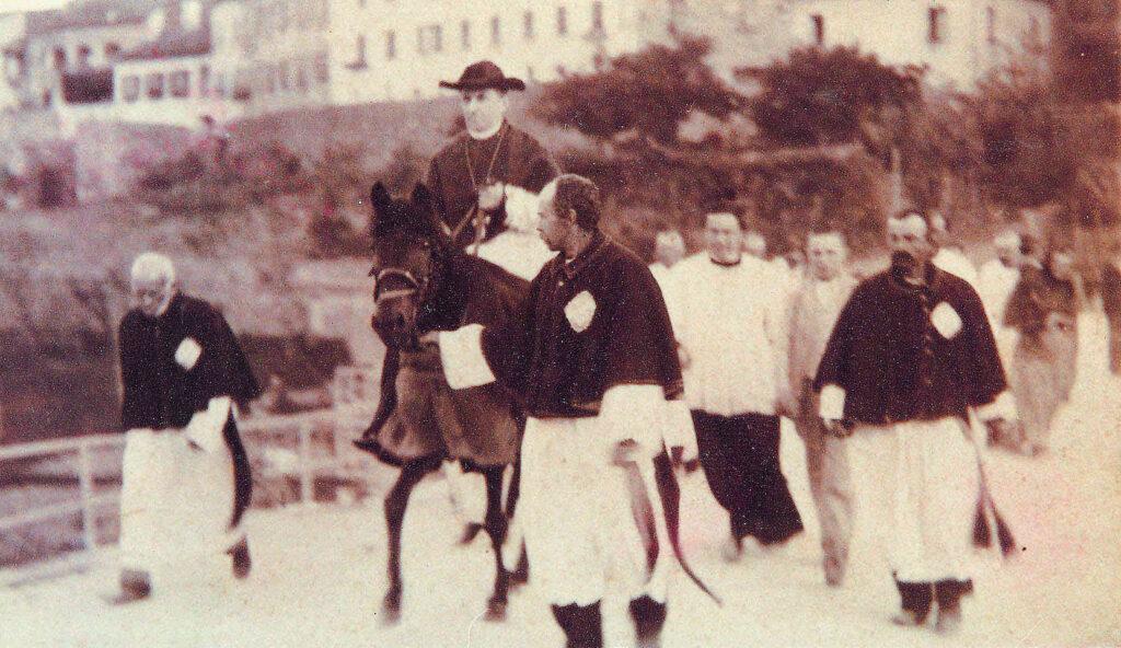 Foto di Giovanni Battista Scalabrini  a cavallo