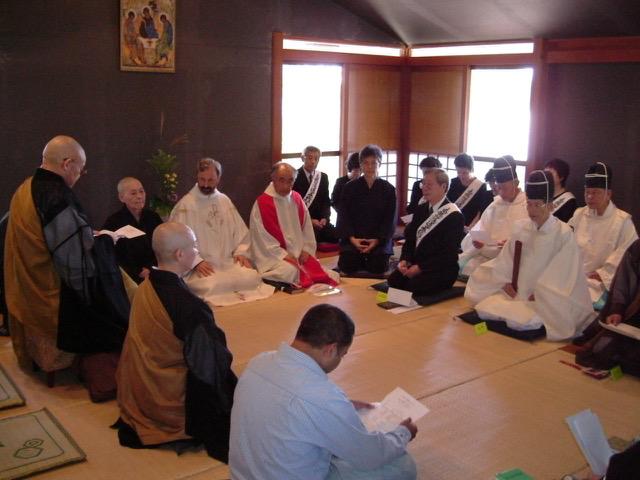 Incontri nel Centro di spiritualità e dialogo interreligioso Shinmeizan in Giappone