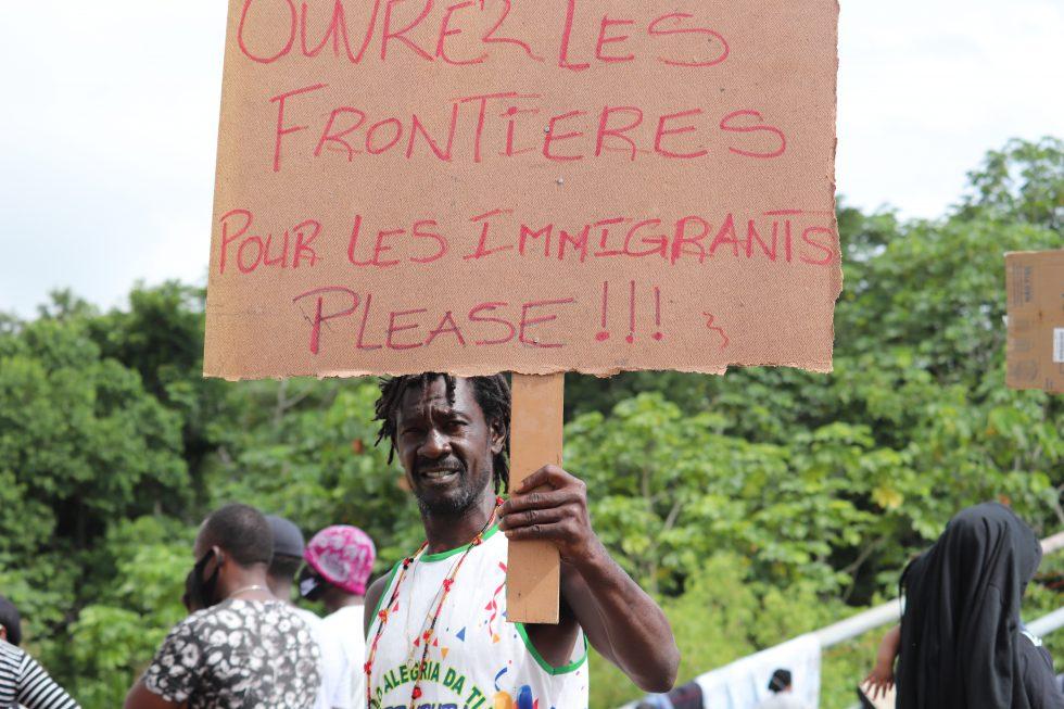 I migranti bloccati in Brasile chiedono di entrare in Perù