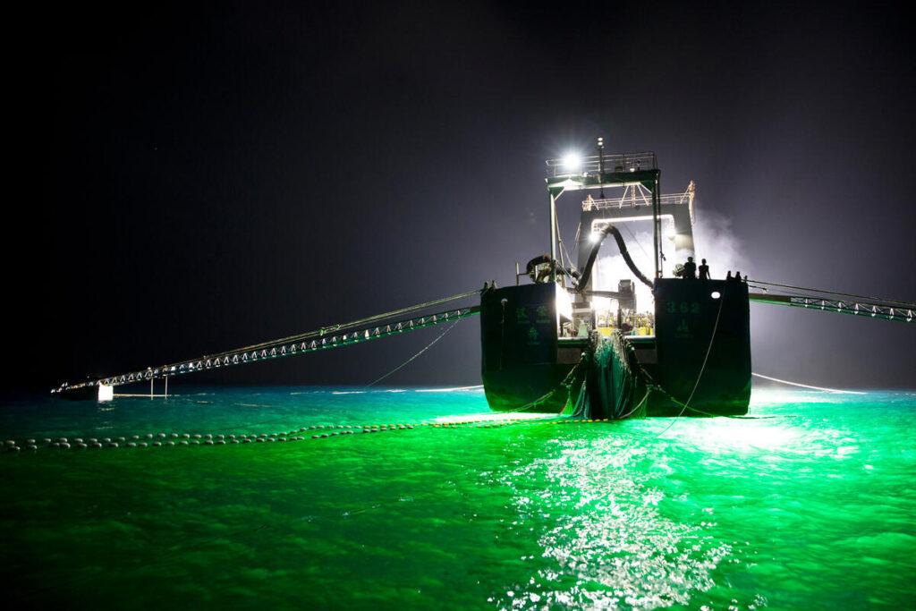 Tecniche dannose di pesca nell'Oceano Indiano, documentate da Greenpeace