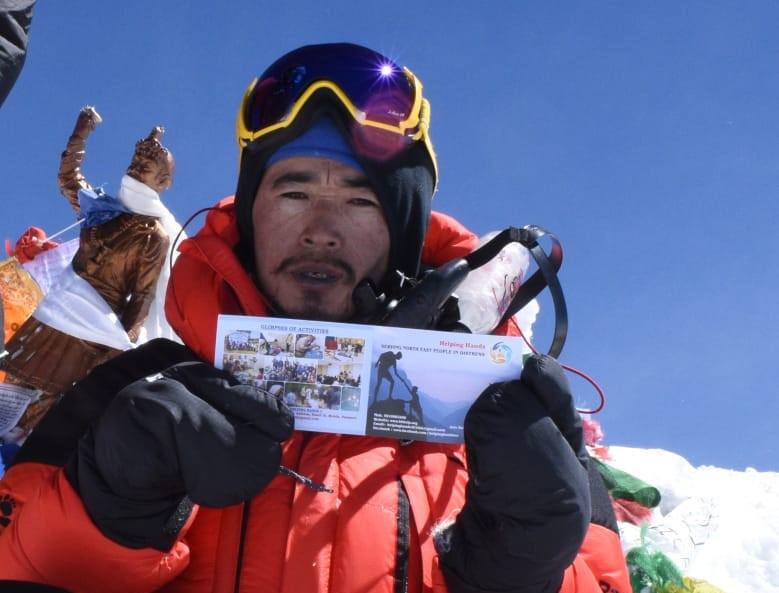 Salesiano scala Everest